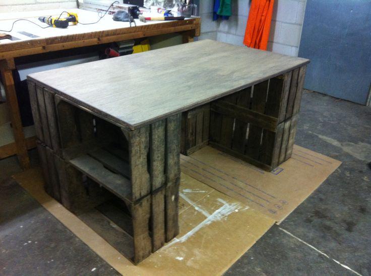 Diy bureau van oude veiling kistjes / kratjes