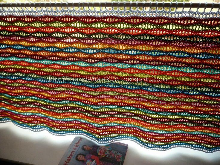 Karin aan de haak! Gordijn Golvend Geluk, met link naar patroon. Curtain, with link to pattern.