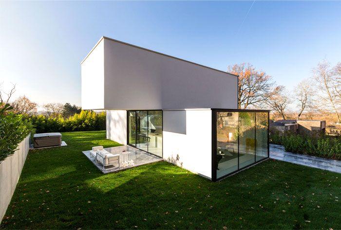 Modern Cube Shaped House In Belgium Moderne Architectuur Woning