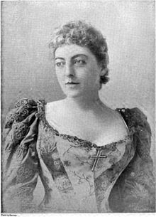Georgiana Emma Drew She made her theatrical debut in 1872 in The Ladies' Rattle. She followed John Jr. to New York, where she acted in many Broadway hits, such as Pique and As You Like It. In Pique she met a young English actor, Maurice Barrymore, whom she married on December 31, 1876. They had three children: Lionel, Ethel, and John. She is a great-grandmother of actress Drew Barrymore.