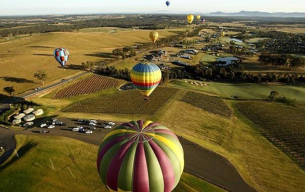 Hot air ballooning in Pokolbin. #Australia