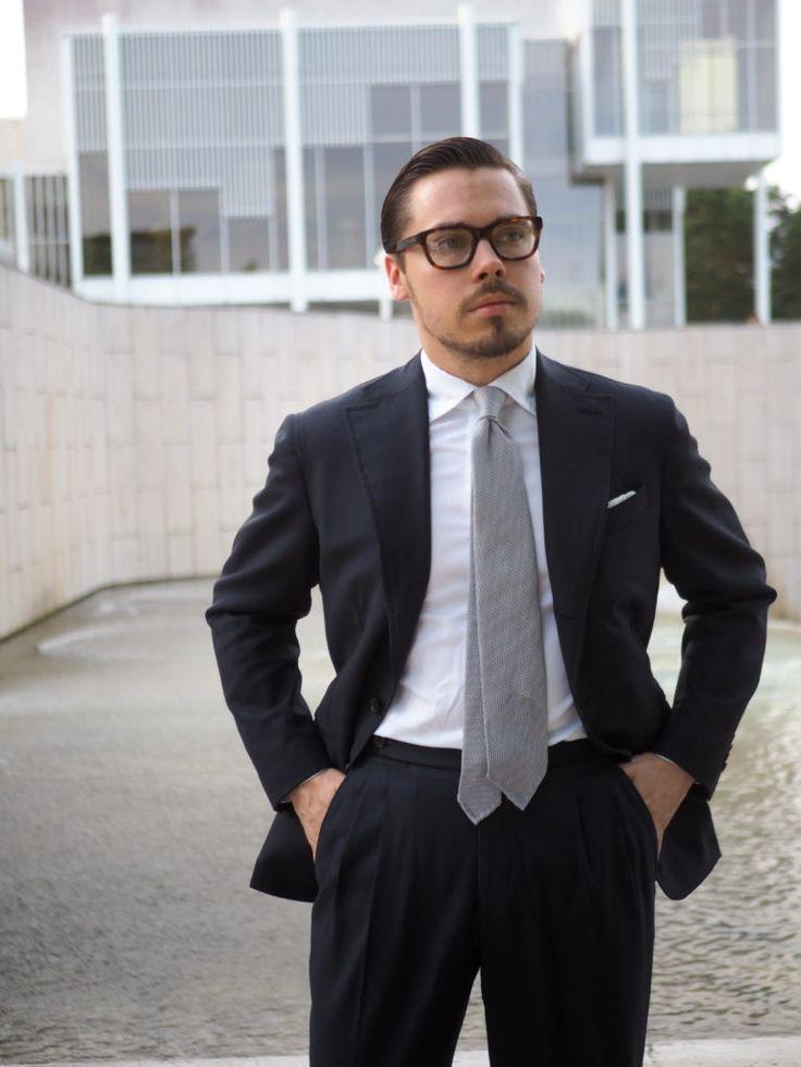 The most elegant wedding accessories - silver gray gredine tie