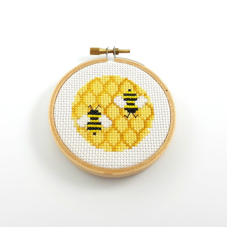 Bee and honeycomb cross stitch #crossstitch #bee #honeycomb #hoopart