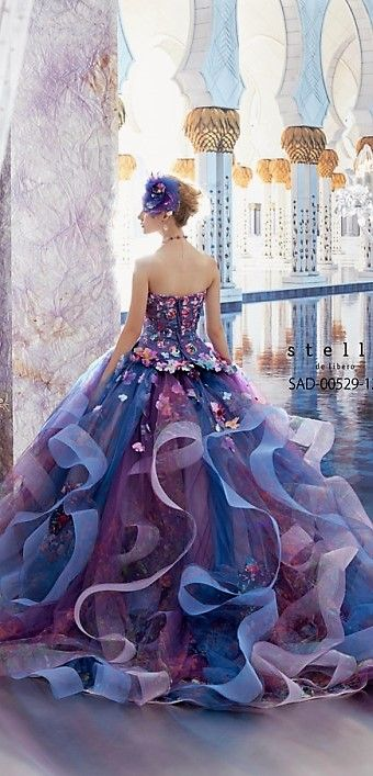 Stella de Libero this is beautiful, not saying I would wear it just that it's beautiful