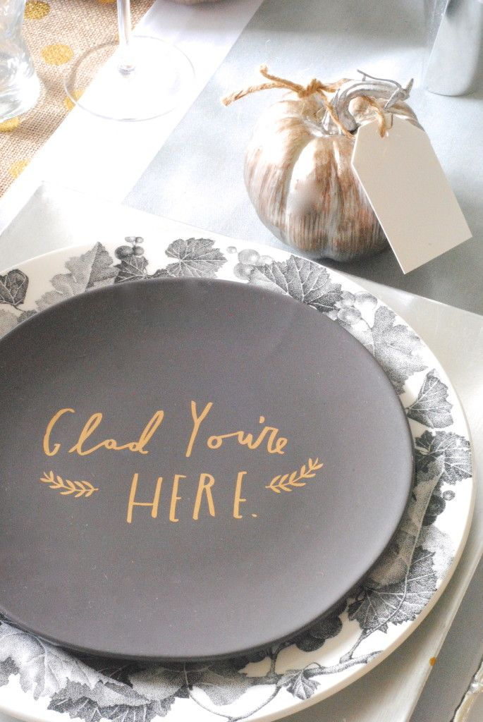 Something like this for Thanksgiving.  Five people black plates and they write something the are thankful for then use those for dessert plates.  Everyone gets to take one home.