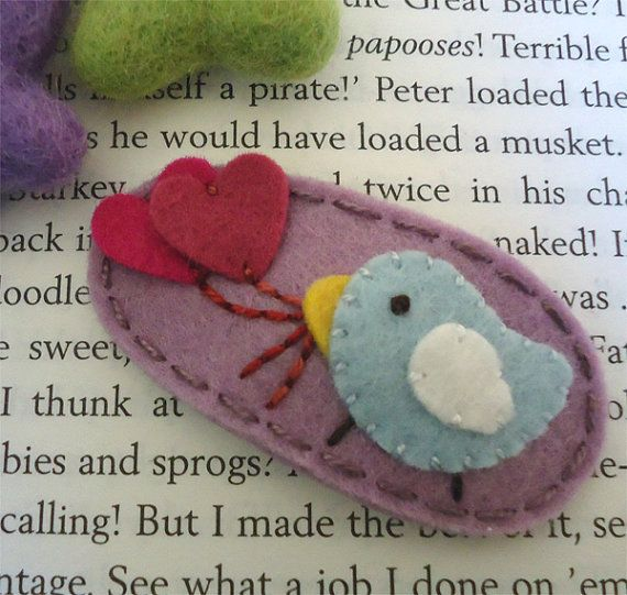 Wool felt hair clip -Pale blue bird and hearts -lilac