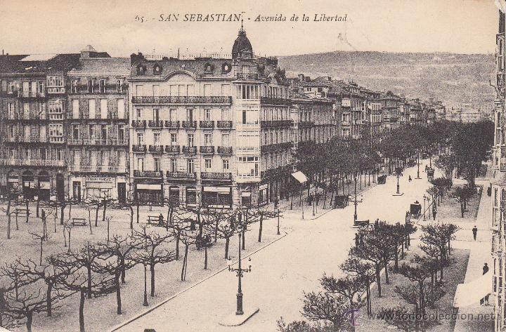 Fotografía antigua: POSTAL: San Sebastian. Avenida de la Libertad. - Foto 1 - 49602440