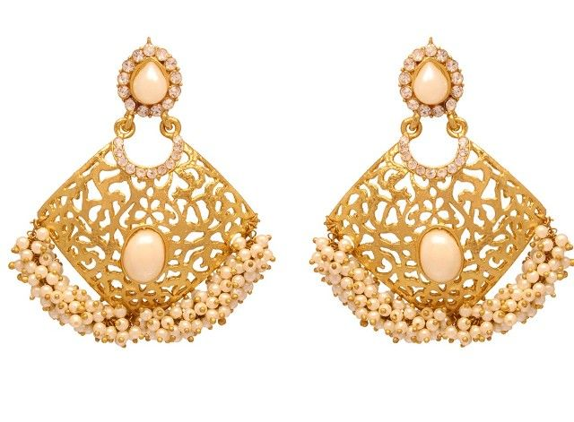 EARRINGS – An Integral part of every Women Accessory