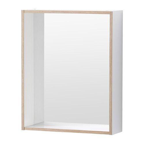 TYNGEN Spiegel met plank IKEA Door z'n vorm kan de rand worden gebruikt als planchet voor een zeepje of een tandenborstelbeker.