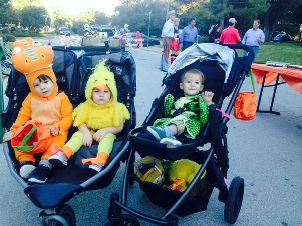 Oh my goodness! Danneel tweeted this lovely Halloween pic of the kids. Click the link for Halloween Tweets from the cast, crew, and family of Supernatural. Left to right: Thomas Padalecki, Justice Jay (JJ) Ackles, and Shepherd Padalecki