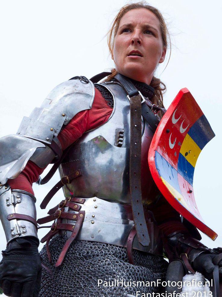 pornstar-knights-in-armour-pausini-sexy