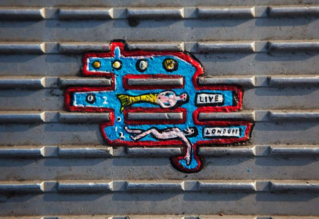 CHEWING GUM ART BY BEN WILSON. Resourceful and creative. http://restreet.altervista.org/ben-wilson-dipinge-sulle-gomme-da-masticare/