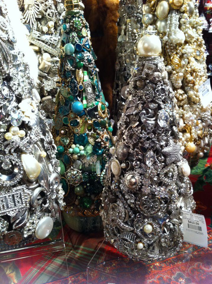 how to make a rhinestone christmas tree