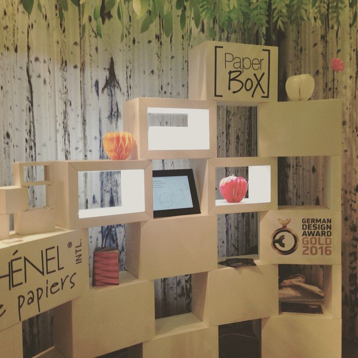 Paper Box is a sustainable exhibition and display system. The first exhibition system made of corrugated, flame-retardant cardboard (M1 and B1- DIN 4102 Certification). Manufacturer: Procédés Chenel International - Design: Spek Design.