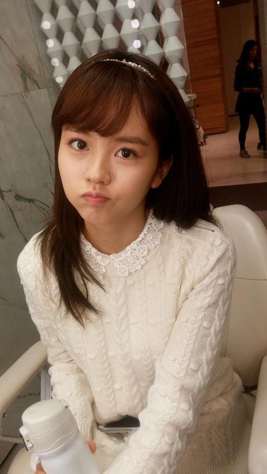 Kim So Hyun, White Look For Winter 'Winter Goddess' http://www.kpopstarz.com/articles/147293/20141206/kim-so-hyun-white-look-for-winter-winter-goddess.htm