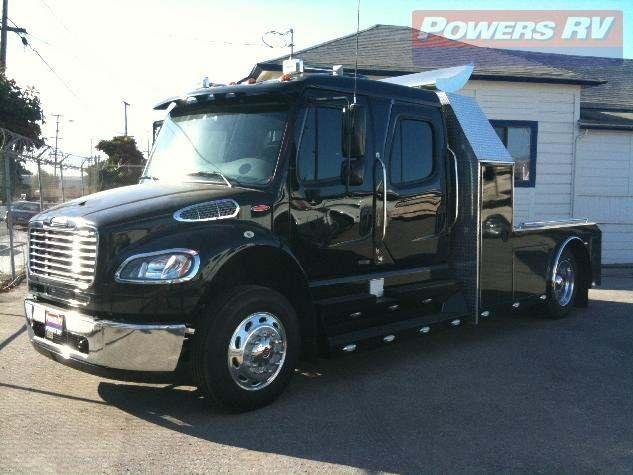 2010 Black Freightliner Sport Chassis <3