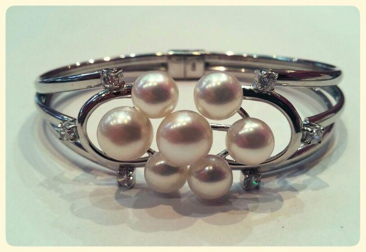 Brazalete de perlas y plata