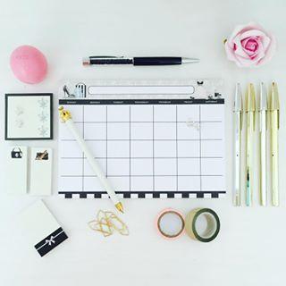Coloque no papel suas metas para este mês, para os próximos seis meses e para os próximos anos. | 19 coisas que você pode fazer para curtir sua própria companhia