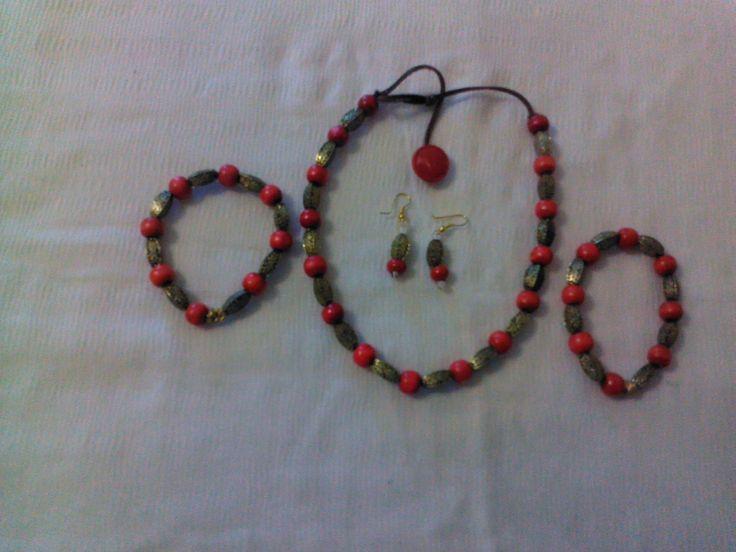 necklace,earings,bracelets