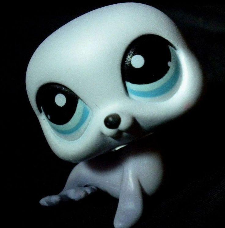 Littlest Pet Shop Purple/White SEA LION Blue eyes 2007 Beach Ocean Pet lps 1076 #Hasbro