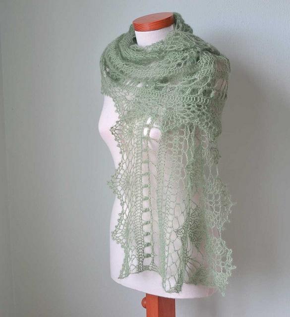 Green shawl by BernioliesDesigns, via Flickr