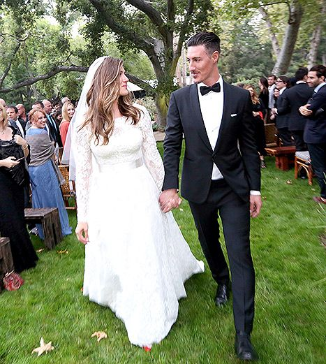 Eric Balfour Marries Erin Chiamulion in Stunning Outdoor Ceremony - Us Weekly