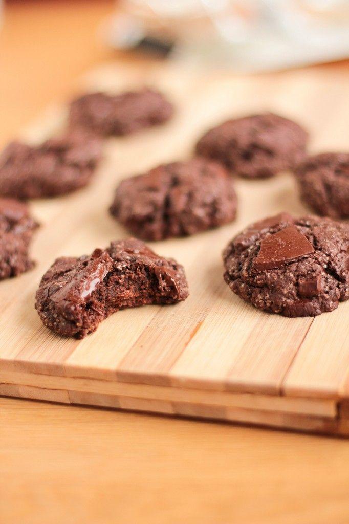double chocolate cookies (sans oeufs, sans beurre) - très facilement vegan -- no eggs, no butter, make them vegan