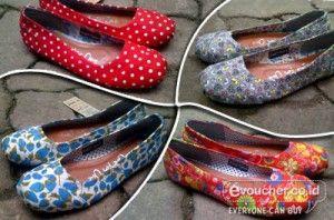 Tampil Modis & Keren dengan Sepatu Toms for Women Bermotif Trendy Khas Gaya Masa Kini Hanya Rp.125,000 - www.evoucher.co.id #Promo #Diskon #Jual  Klik > http://www.evoucher.co.id/deal/Toms-for-Women-Bermotif  Untukmu para ladies kami berikan promosi menarik sepatu toms dengan motif yang cantik dan trendy sesuai dengan trend masa kini. terdapat 4 pilihan motif yang pas dengan gayamu setiap saat  pengiriman mulai 2013-12-16