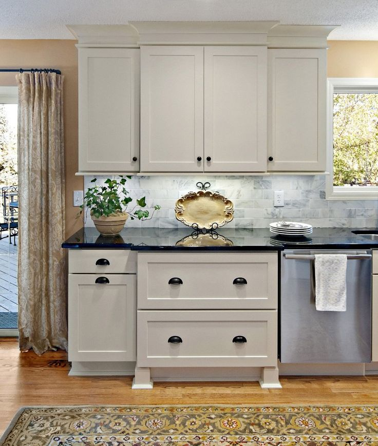 Kitchen Cabinet Features: Photo Gallery Of Remodeled Kitchen Features CliqStudios Rockford Painted Linen Cabinets With