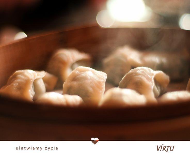 Możecie skosztować blisko 20 różnych rodzajów pierogów #Virtu. Pierogi z kapustą i grzybami, z mięsem, ze szpinakiem, z brokułami, z serem, z serem i jagodami, z truskawkami... Końca nie widać! :)
