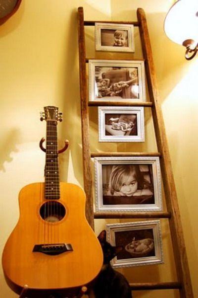 Decorar con fotos familiares usando una escalera - http://ini.es/1f3EQVW