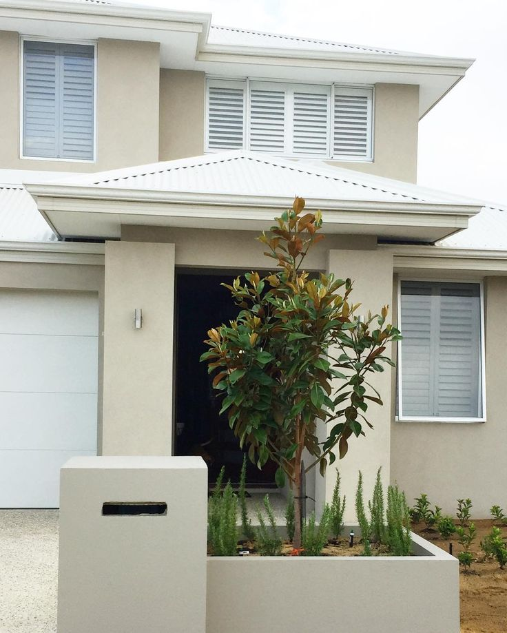 Solver Vitesse Render / Surfmist Roof / Magnolia / Planter Box / Plantation Shutters