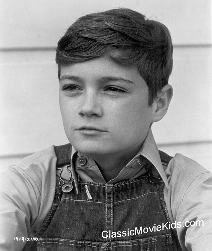 the development of jem finchs maturity in to kill a mockingbird a novel by harper lee Follow/fav growing up, scout by:  jem doesn't keep his cool  substantially as a character in the first part of the novel, to kill a mockingbird lee, harper.