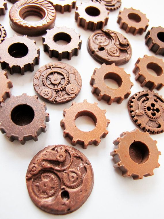 25 Chocolate Steampunk Gears by The Frosted Petticoat