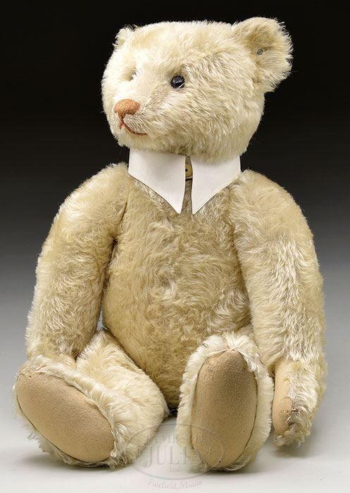 James D. Julia, Inc. - 1907 25″ white bear (Chuck & Cathy Steffes Coll.)