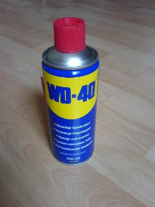 Klebereste entfernen mit WD-40 - Wunderöl | Frag Mutti