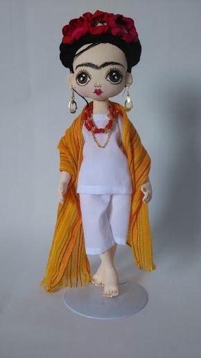 Muñeca de trapo hecha a mano inspirada en Frida Kahlo Muñeca de trapo hecha a ma... #artesaniasmexicanasdiy