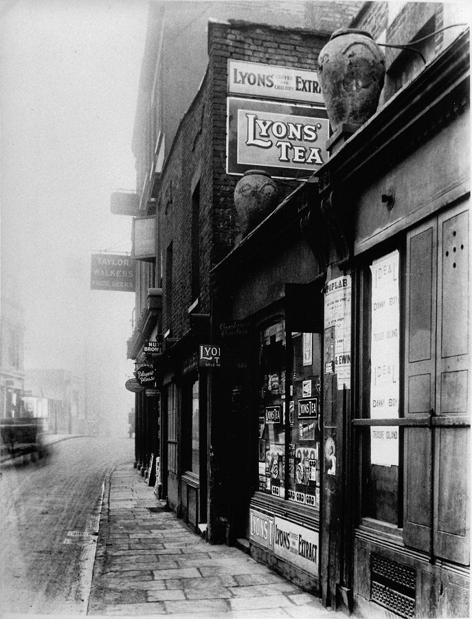 Poplar_High_Street_1920s