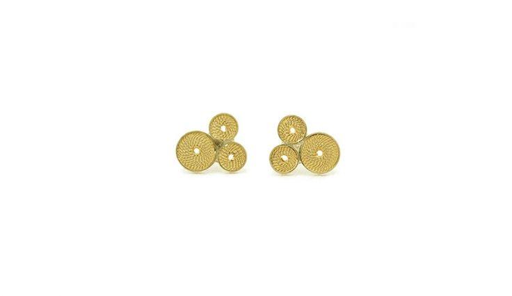 Liliana Guerreiro   Colecções - Handmade gold earrings, using a filigree technique