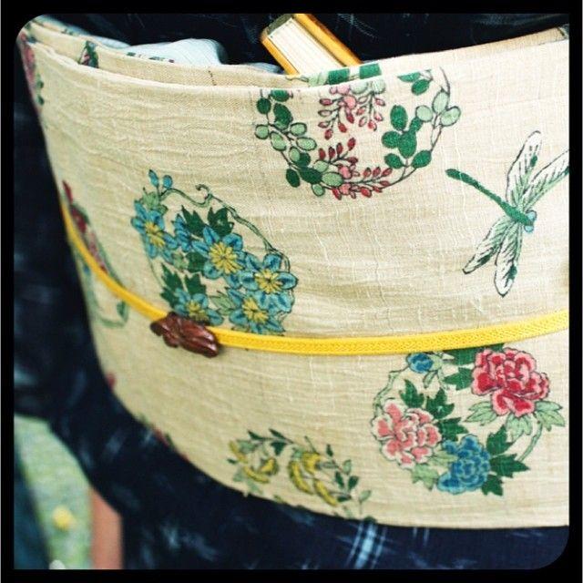 花と蜻蛉柄の小千谷縮の帯。帯留めは百合。 #japan #tokyo #setagaya #kimono #obi #着物 #きもの #帯 #帯留め #小千谷縮