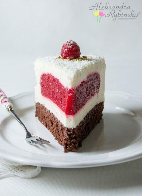 Aleksandra's Recipes: RASPBERRY & COCONUT MASCARPONE CAKE
