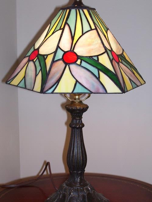 Beautiful Love This Stained Glass Lamp!