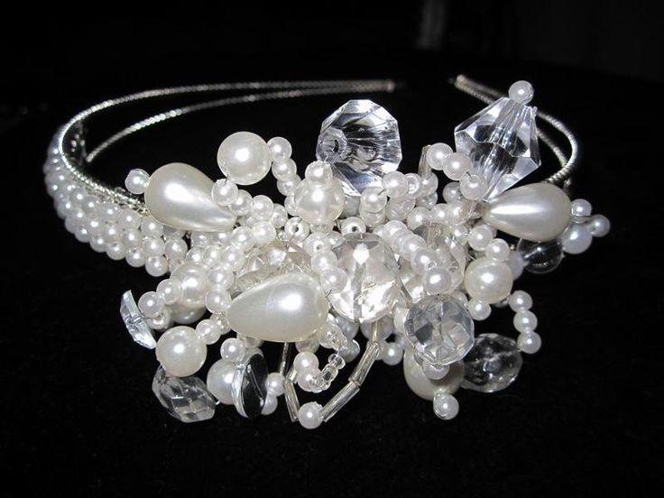 Bridal headband. Pearl beaded headpiece. Bridal hair accessories