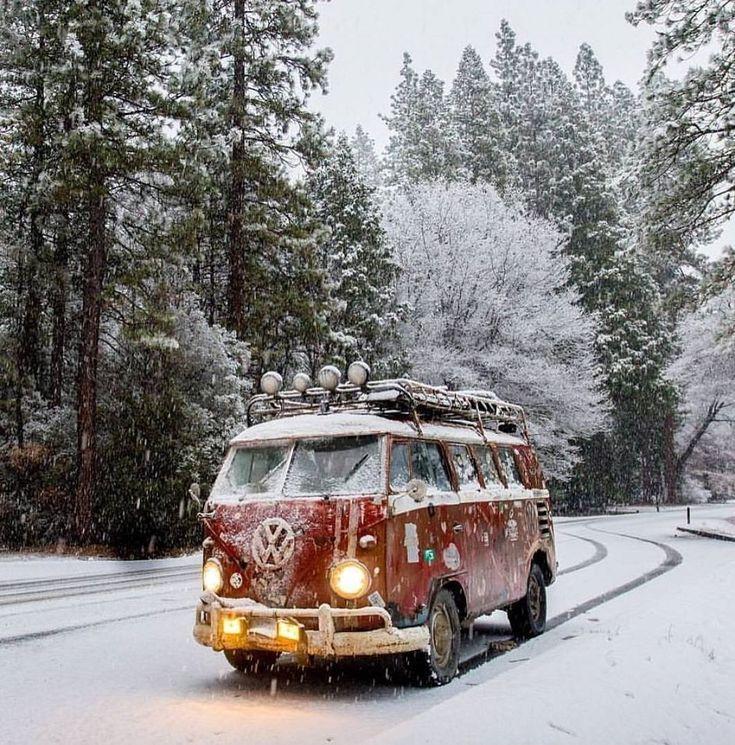 'Tis the season ☃ 📍 Yosemite National Park 🚐 VW T1Splitty 📷 by richard.kimbrough