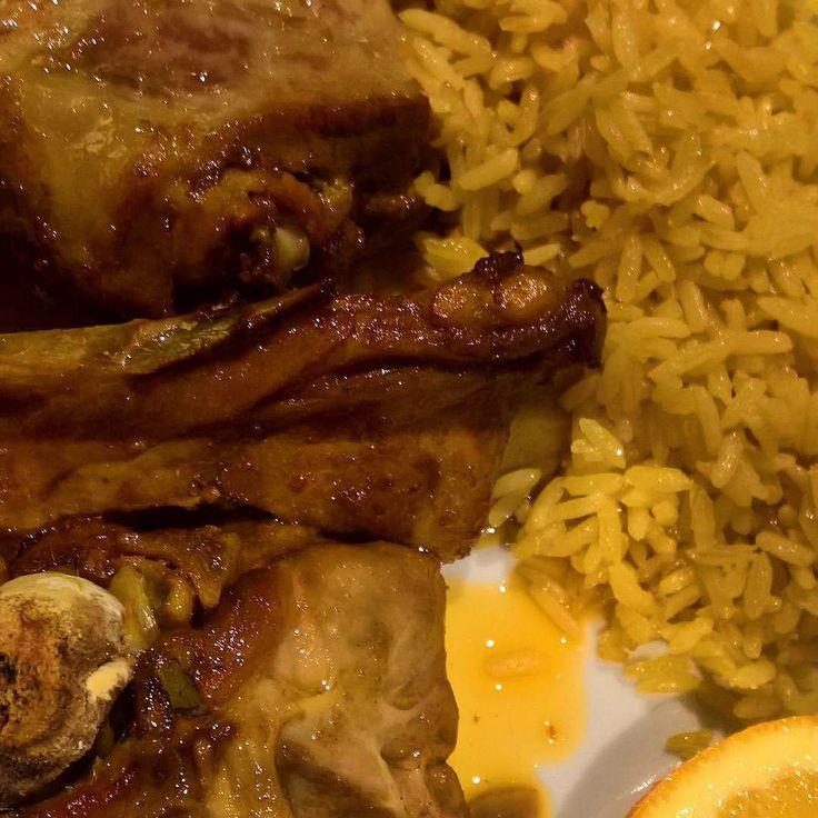 Chuletas de cordero a la parrilla con arroz. #comida #cocina #carne #cocinaportuguesa #food #cooking #meat #portuguesefood
