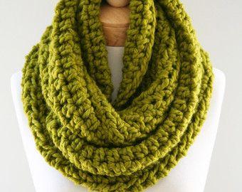 Punto mezcla infinito bufanda, infinito punto grueso, Chartreuse grueso bufanda de las lanas, bufanda hecha a mano de las mujeres