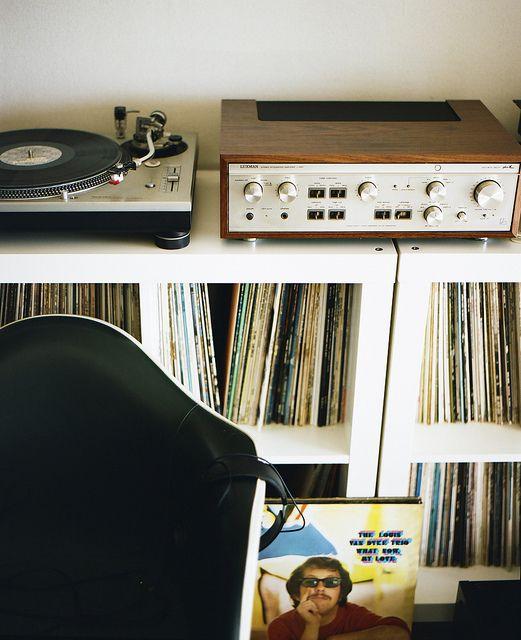 ต้องรื้อบ้านซะหน่อย: Bathroom Design, Design Bedroom, Bedroom Design, Vinyl, Record Collection, Music Room