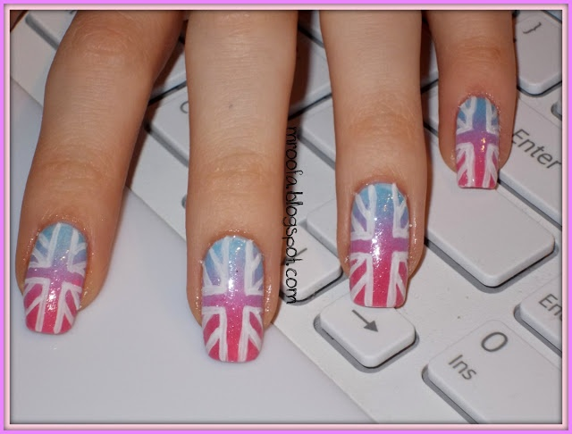 Mroofa: British Flag nails