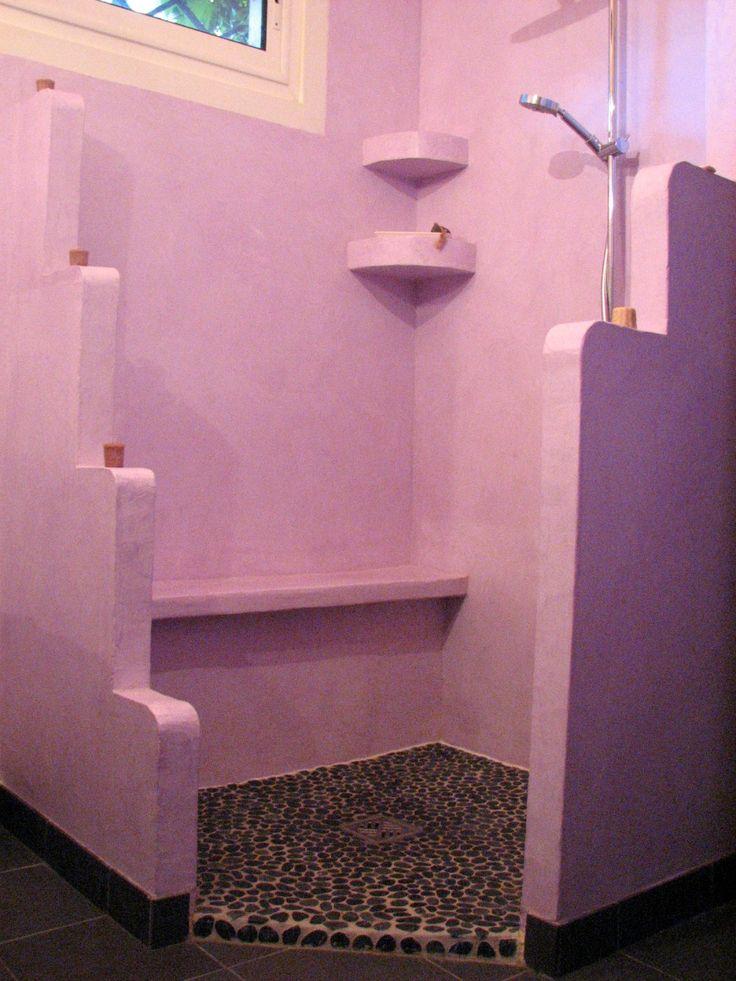 Décoration Salle de bain, espace douche en tadelakt marocain realise par Ame et pinceaux, artisan peintre décorateur toulouse