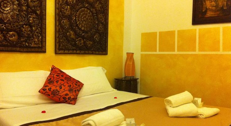 B&B Cittadella Verona Set in the historical centre of Verona, this elegant B&B is 5 minutes' walk from the Verona Arena. It offers central air-conditioning and rooms with an LCD TV, free WiFi, and a small fridge.